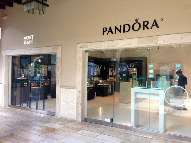 Pandora butik i Palma Real Shopping Village