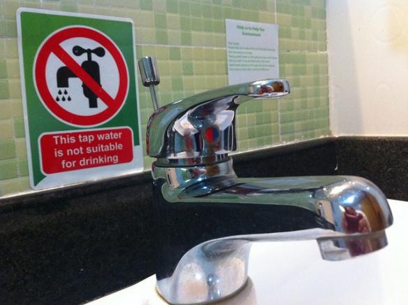 Kan man drikke vandet fra vandhanen i Punta Cana? (billede fra http://www.flickr.com/photos/dcmetroblogger/)