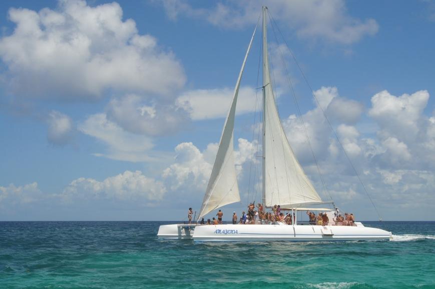 En dejlig katamaran sejltur hjem fra Saona Island